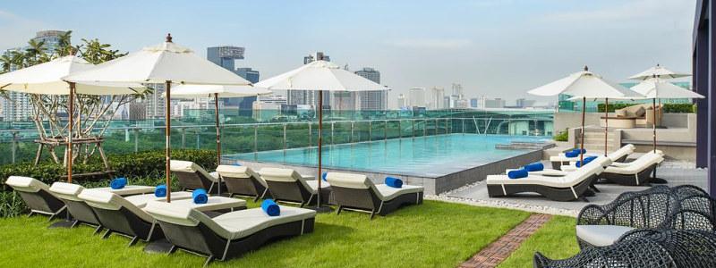 Mercure Bangkok Makkasan viešbučio stogo baseinas