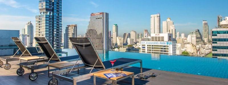 Amara Bangkok Hotel viešbutis su baseinu ant stogo Banoke