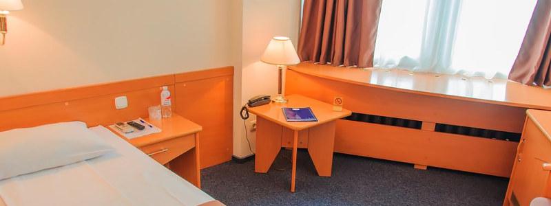 Adria Hotel viešbutis Kijeve