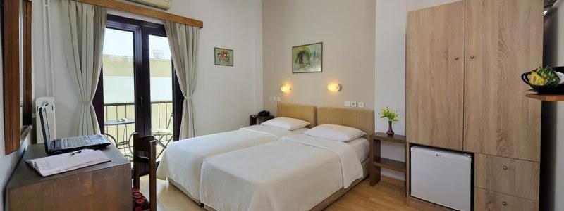 Nebrangus modernus viešbutis Atėnų centre